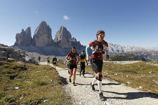 Italien, Sued-Tirol, Niederdorf-Sexten, Gore Tex Transalpine Run 2010, Etappe 8, Niederdorf-Sexten. 11.09.2010. Digital Photo; Copyright: Klaus Fengler